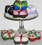 "RGR136 - Petit Four Pincushion - 3"" x 3"" x 2"""
