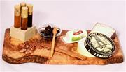 GOURMET GIFT BASKET- CHEESE-PAIRING AND HONEY FLIGHT CHEESE BOARD