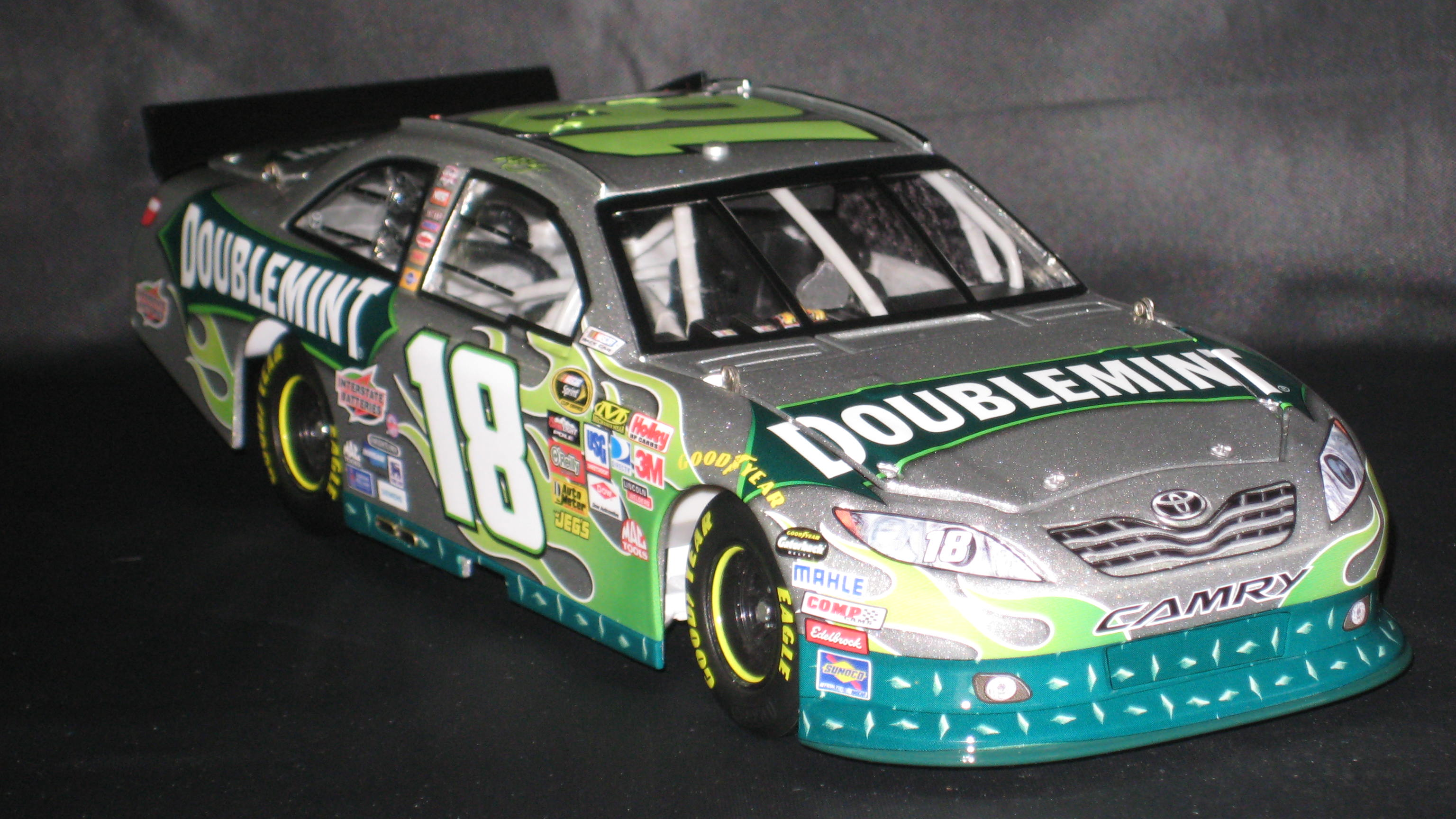 2011 Kyle Busch Doublemint Toyota Camry 18 Scale 124 Action