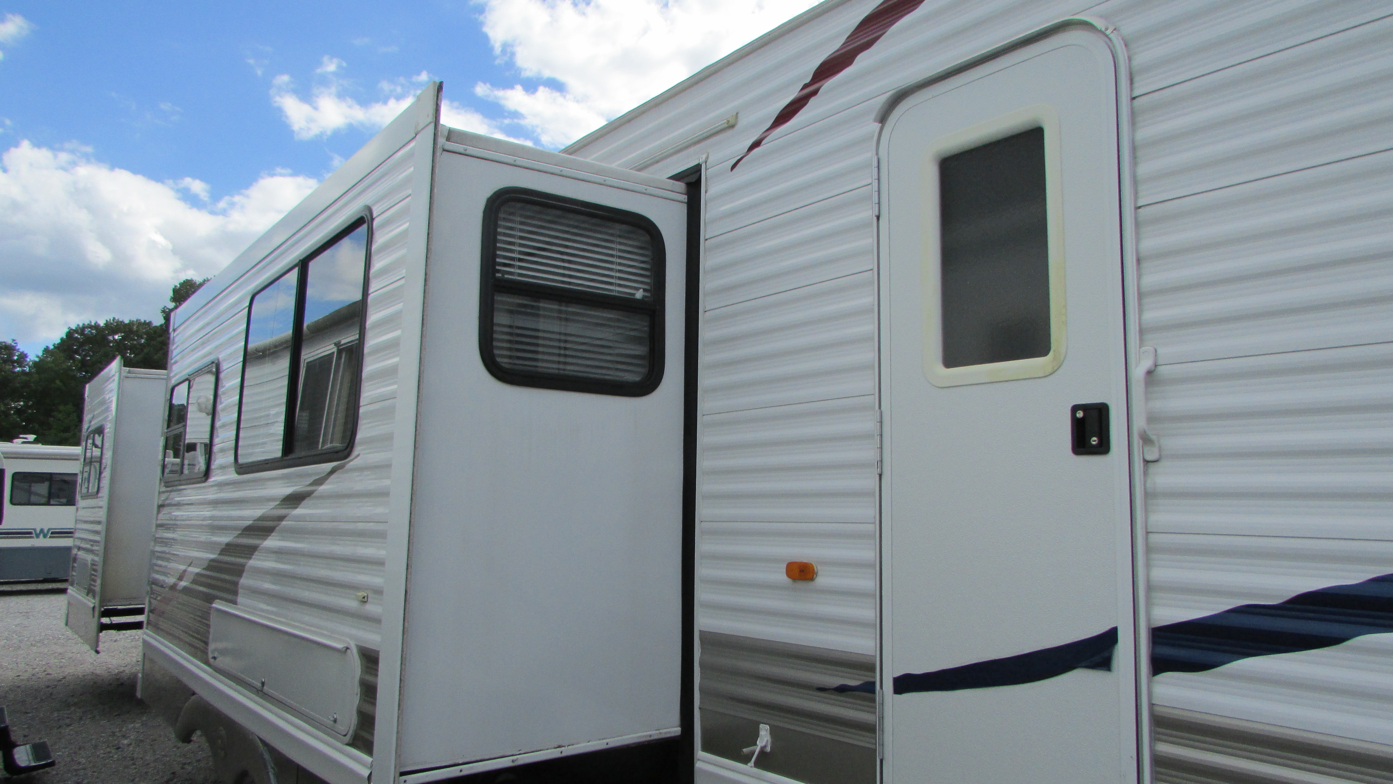 2009 palomino puma 39ptdbss destination travel trailer 3 slides 2 bedrooms 2 bathrooms Rv with 2 bedrooms 2 bathrooms