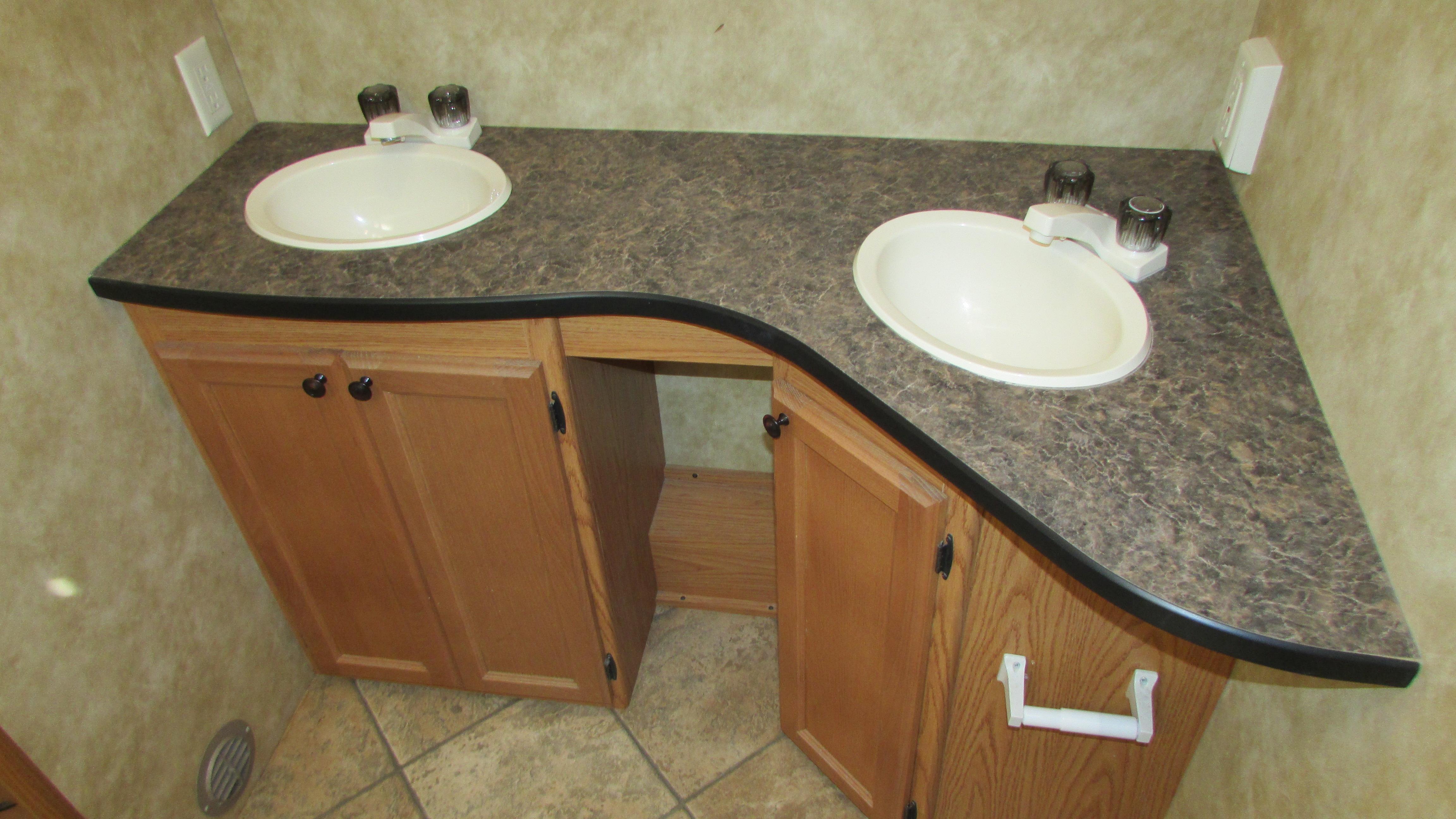 2010 Heartland North Trail 29 Rbss Travel Trailer Slide Huge Bathroom Loaded Warranty