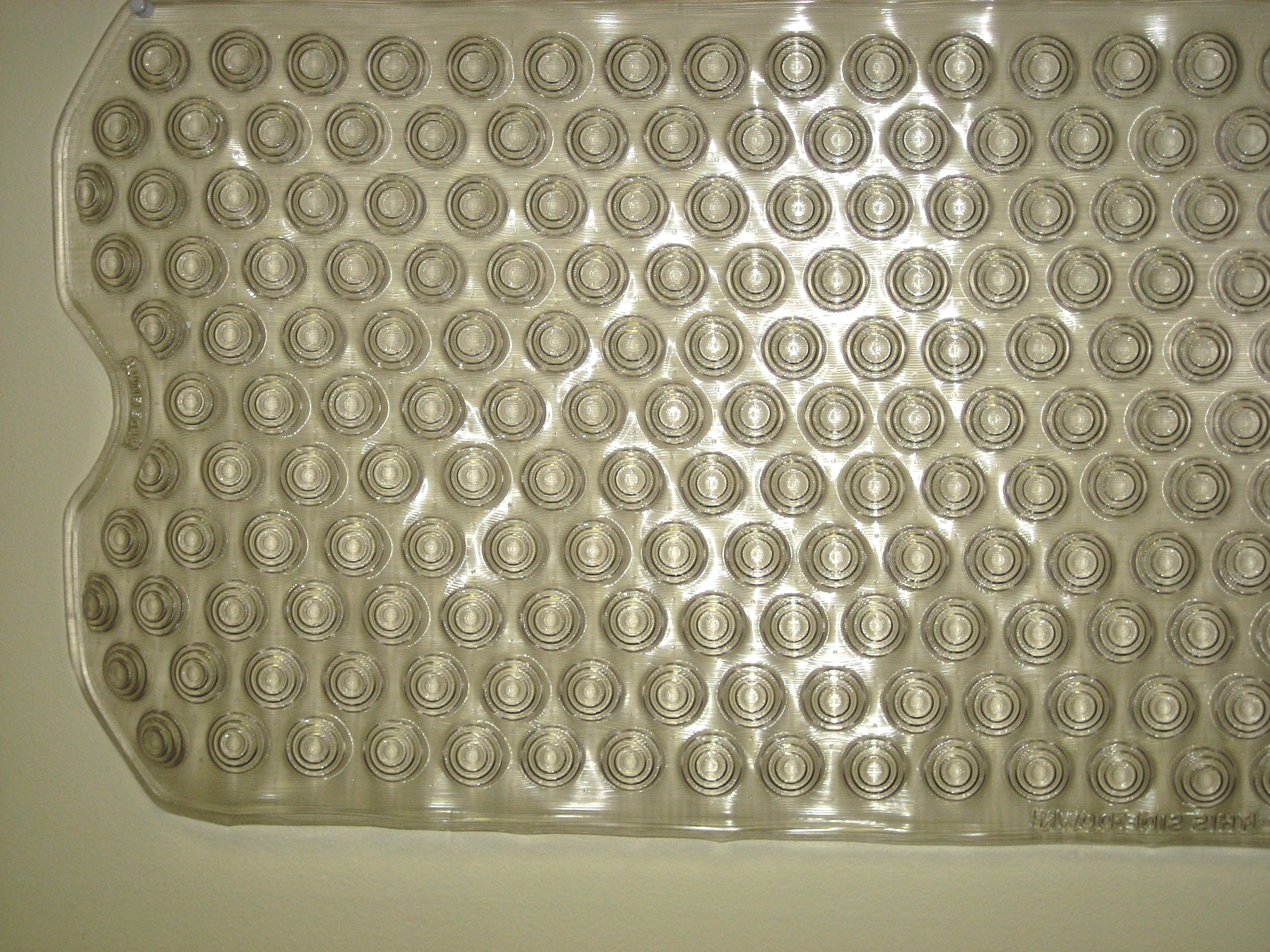 Clear Deluxe Vinyl Bath Mats W/ Inverted Suction Cups