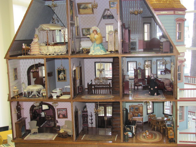Custom built queen anne my doll 39 s house for Custom built victorian homes