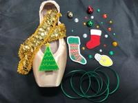 Single Holiday Decorative Pointe Shoe Kit (Deck the Halls)