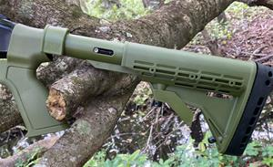 KickLite recoil reduction 6 position shotgun STOCK & FOREND  for Mossberg® 500 12/20 Ga. in 'Woods Edge Green'