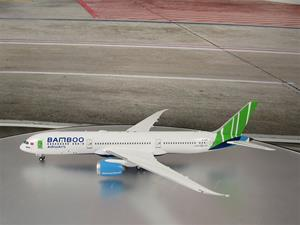1/400 scale Bamboo Airways 787-9 Reg No. VN-A818
