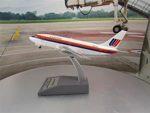 1/200 scale United Airlines 737-200 Saul Bass Livery Reg No. N9030U