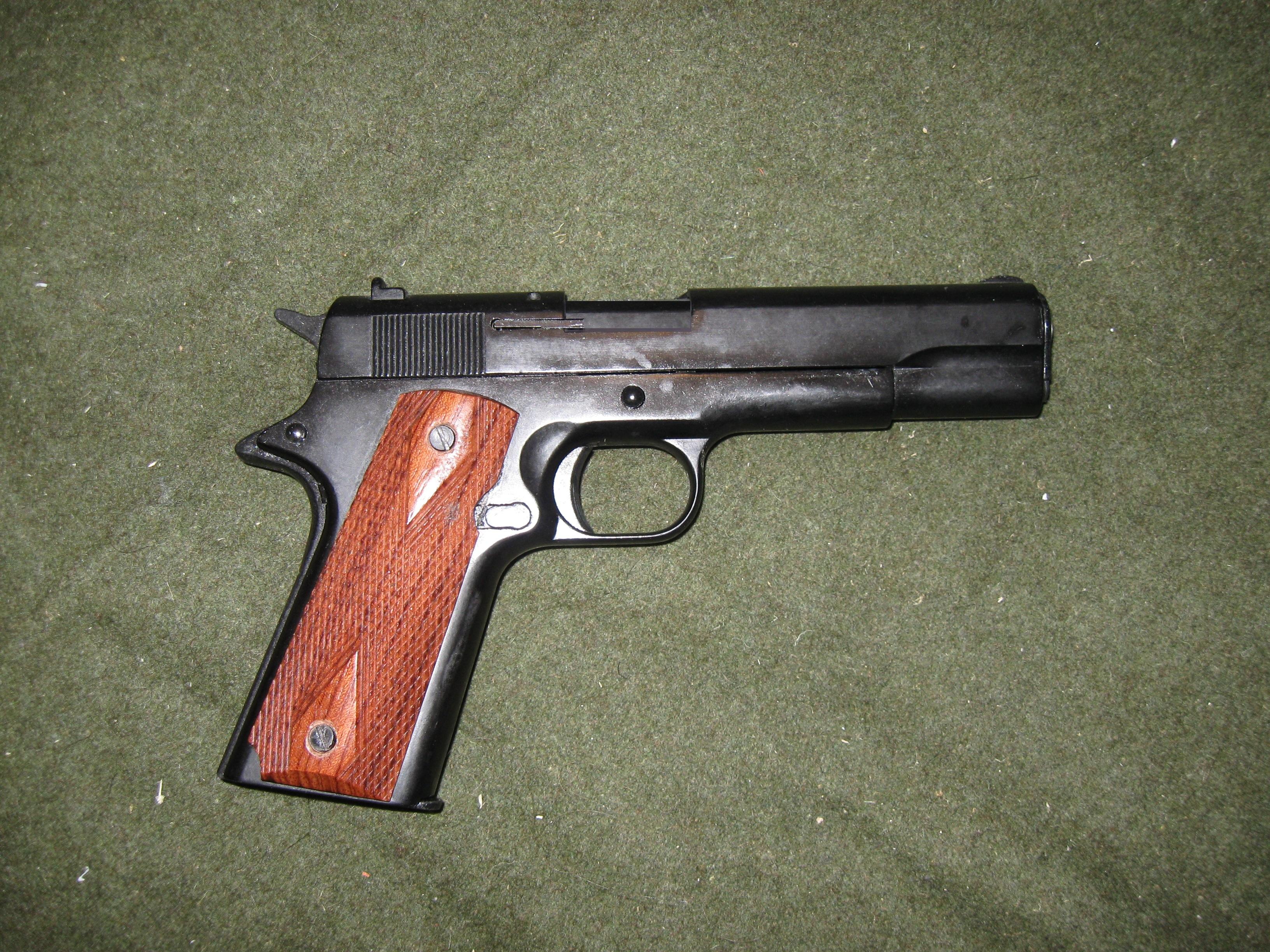 Colt 1911 8mm Blank Firing Pistol, Blued Barrel, Wood Grips Deluxe